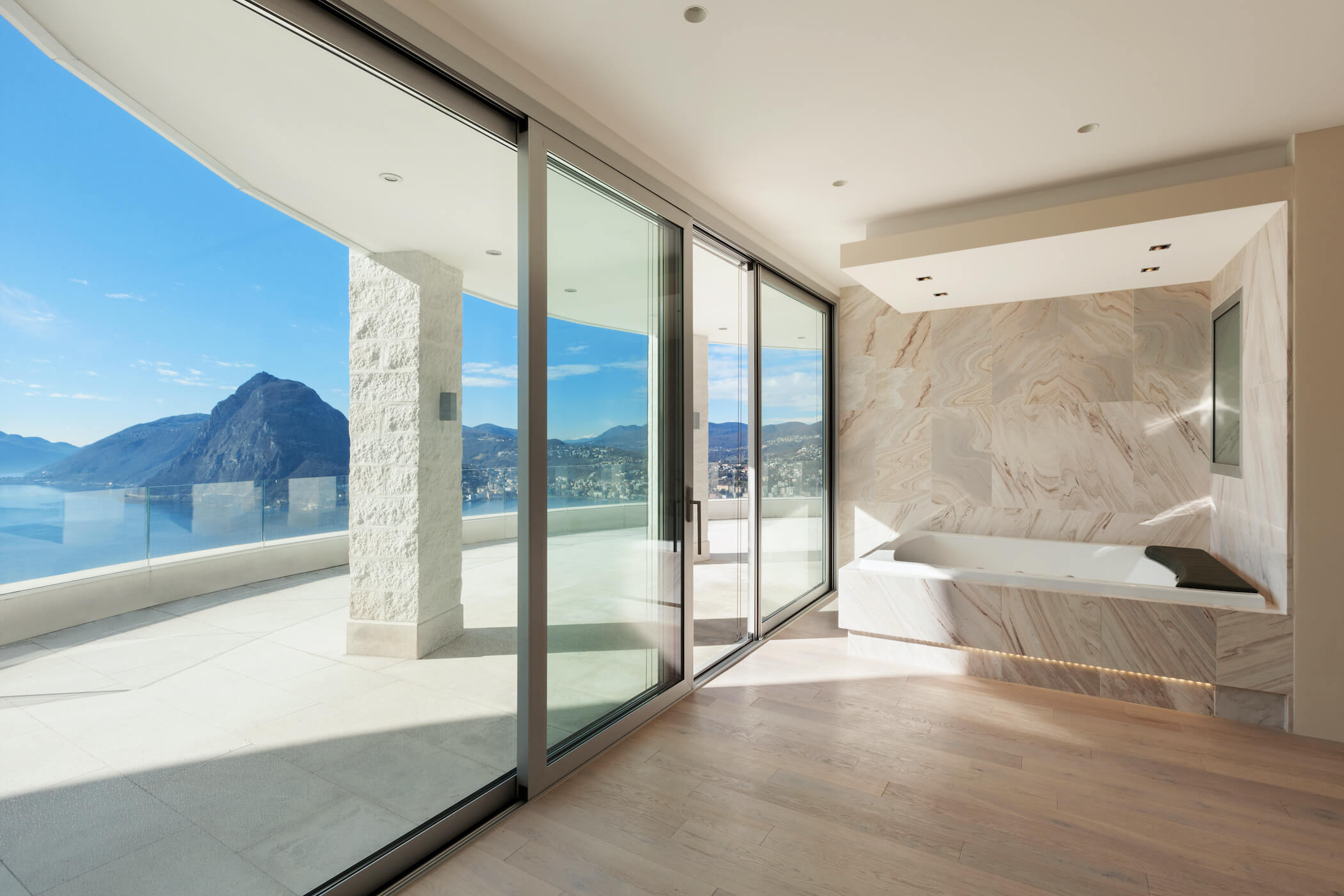 Aluminium modern bifold doors