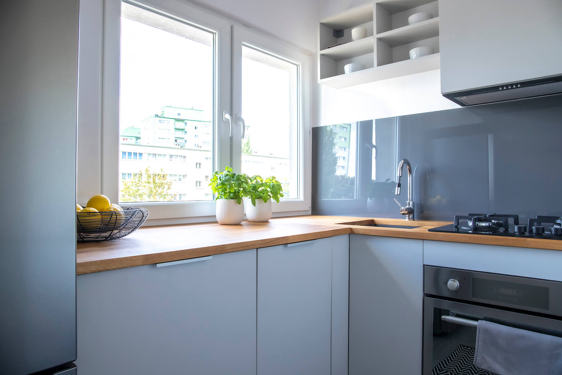 Light grey modern kitchen